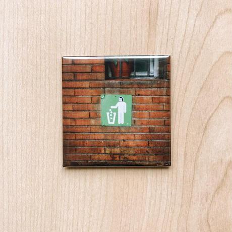 【Magnet】happen Spain 'trash box man'