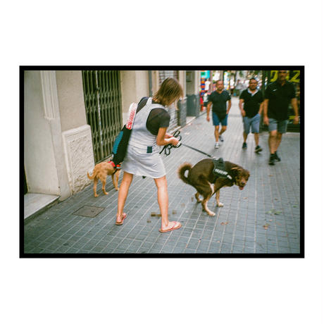 【T-shirts】happen Barcelona  'dog poo' (T200802-wht)