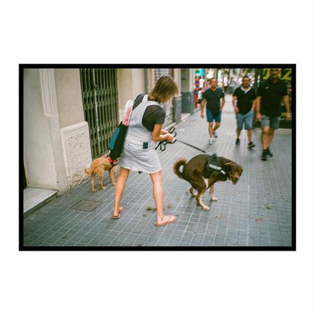 【T-shirts】happen Barcelona  'dog poo' ( T200802-gry)