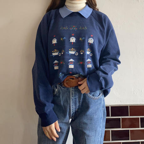 Made in USA Flower printed collar sweatshirt