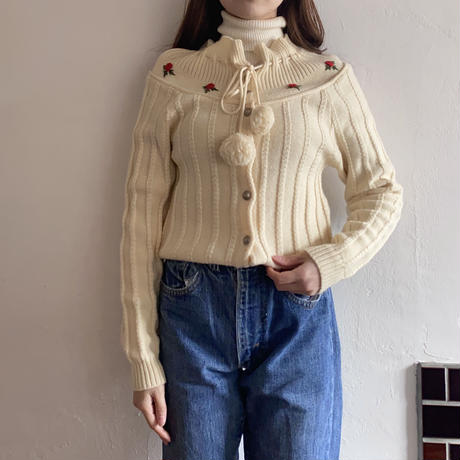 【SALE】Embroidery cardigan