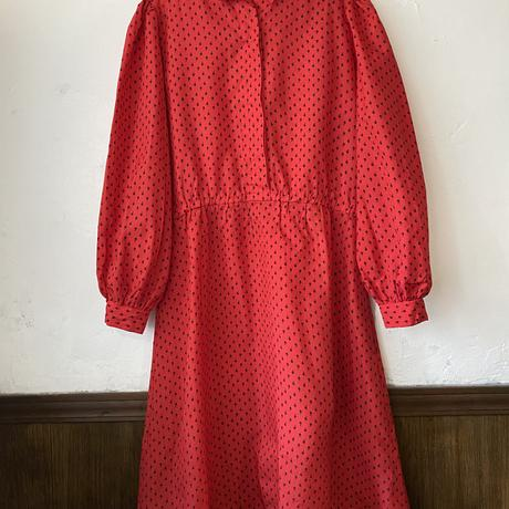 Red puff sleeves dress