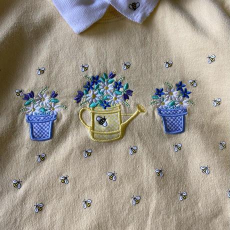 Flower and bee sweatshirt