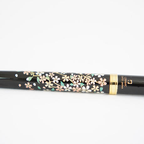 Lacquered ballpoint pen〔 Shidare Zakura 〕