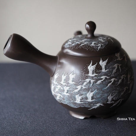 壺堂雪堂 仙鹤熏黑茶壶急須 Kodo & Setsudo, Yoshikawa, Crane flying on River Kyusu