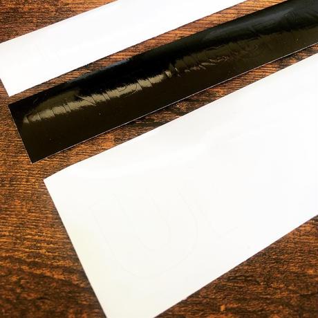 送料無料 UNPLUGGED カッティングシール   2種 白いロゴが残るタイプ と黒いロゴ文字が残るタイプ 150×23mm 【自社出荷:定形郵便】