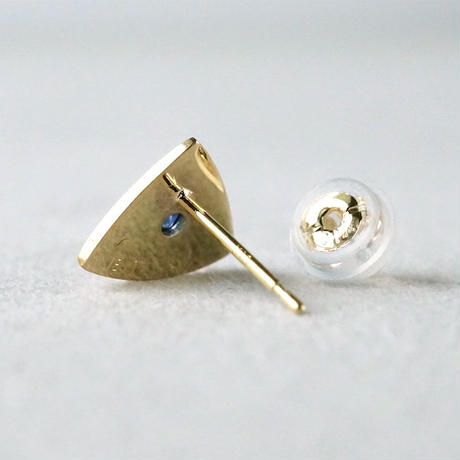 K18 Triangle earring / Sapphire / Single