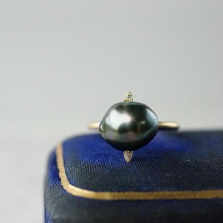 Tahitian pearl ring / Saturn / Diamond
