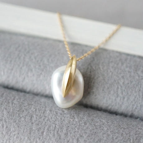 Freshwater pearl necklace / Dagger / Small