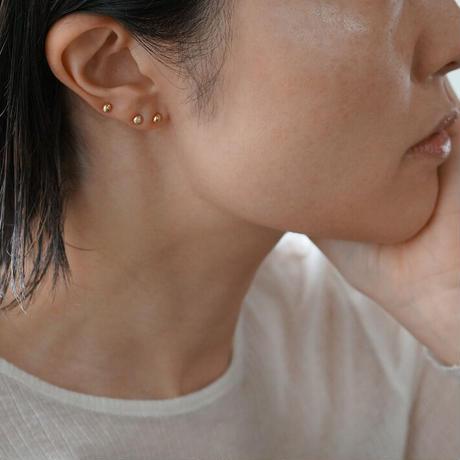 K18 Tsubu earrings / Hammered