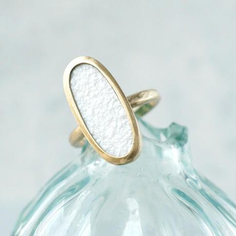 K10 Vintage tile Ring / Oval / White