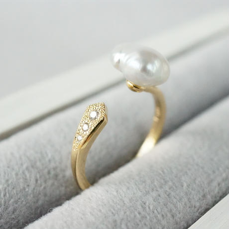 Freshwater pearl ring / Fork / Dia