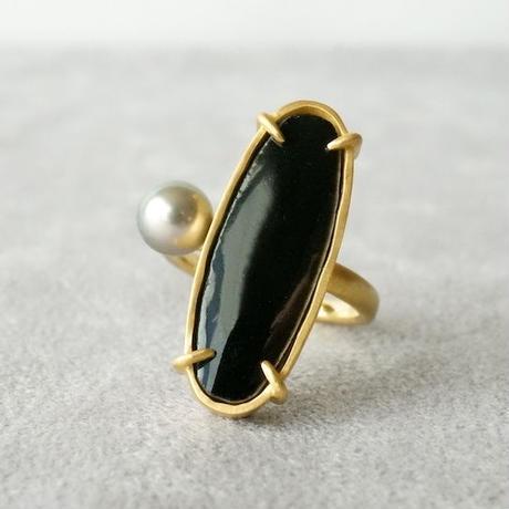 Vintage tile ring / Oval / Black / Pearl