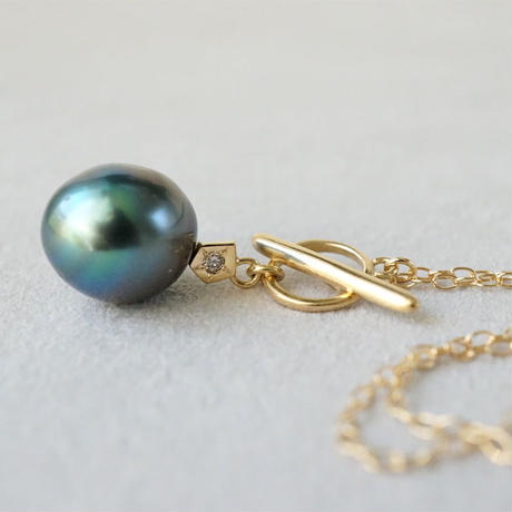 Tahitian pearl necklace / Polygon / Dia / Mantel
