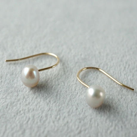 Freshwater pearl earrings / Hook