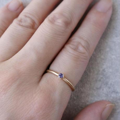 K18 Sapphire ring/round/violet