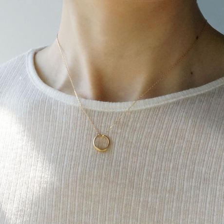 K18 Moon halo necklace