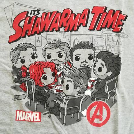 """ファンコ ポップ「アベンジャーズ」""""It's SHAWARMA TIME"""" Tシャツ"""
