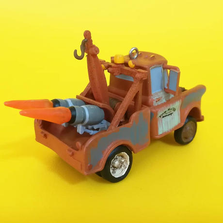 2011年 ホールマーク オーナメント ピクサー カーズ2  シークレットエージェント メーター Hallmark Keepsake  Cars2 Secret Agent Mater