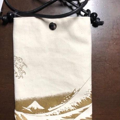 葛飾北斎 富嶽三十六景神奈川沖浪裏 携帯ポシェット 白×ゴールドpt