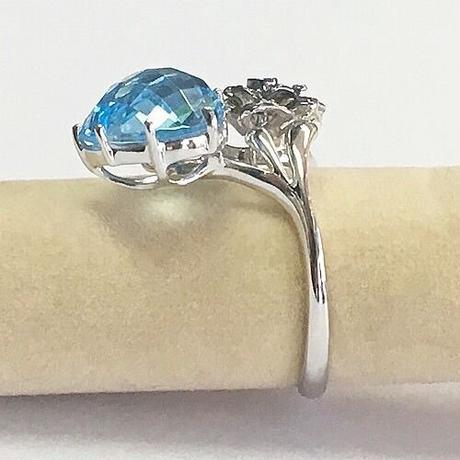 K18WGブルートパーズとダイヤモンドのリング