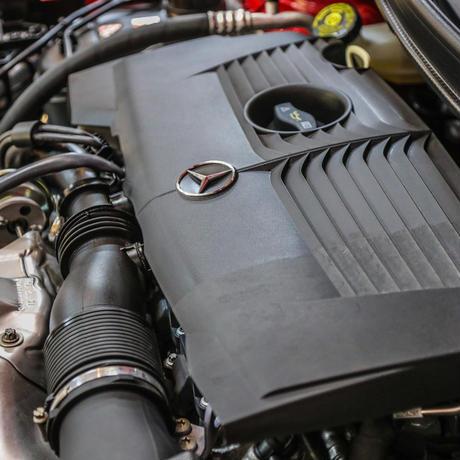 スパシャン SPASHAN 【Dr.ケアコレ】エンジンルームコート 200ml 高耐熱保護成分によりエンジンルーム内の樹脂パーツやゴムホースの劣化を防止し、新車の艶に復元!!