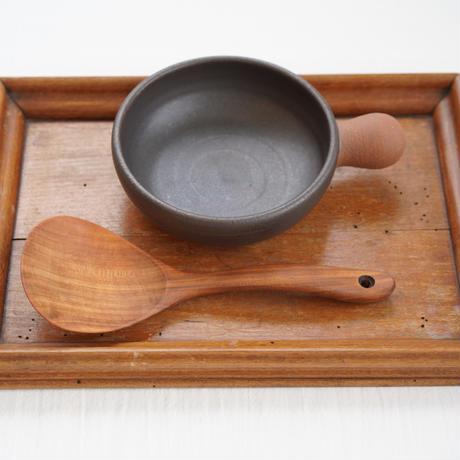 ⑬池本直子 耐熱鍋(裏側が富士額連峰)
