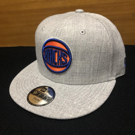 New Era Youth New York Knicks 9FIFTY Snapback Heather Grey