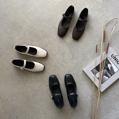 ONE STRAP FLAT SHOES