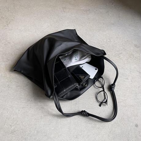 SOFT LEATHER ONE SHOULDER BAG