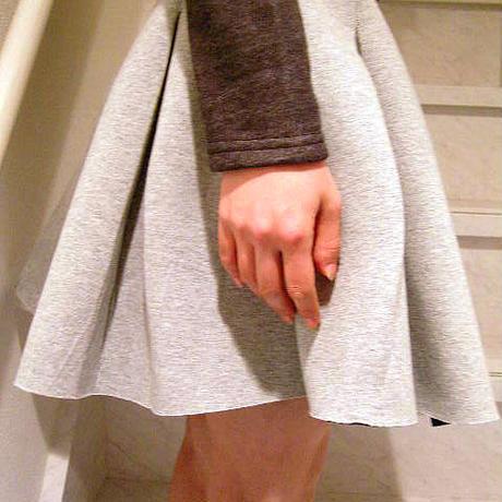 グレーフレアスカート