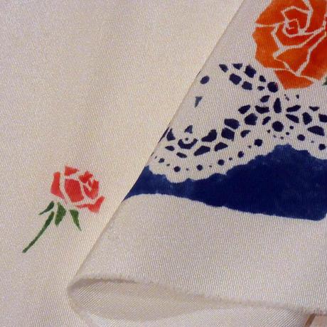 半衿 レースに薔薇