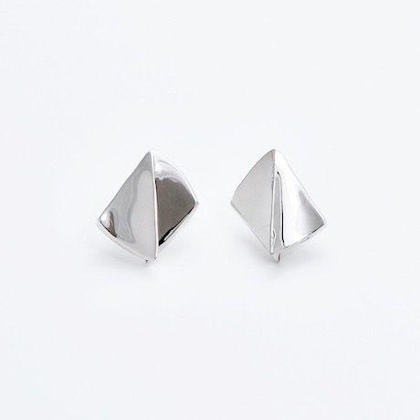 """NEW""  Earrings ONDAS Silver 07-ピアス【在庫あり】"