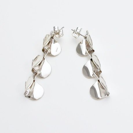 """NEW""  Earrings ONDAS Silver 05-ピアス【在庫あり】"