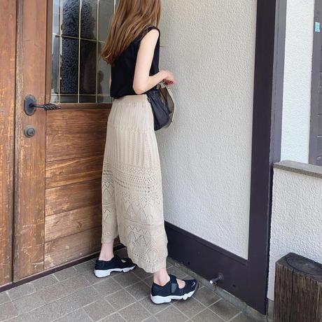 透かし編みクロシェスカート
