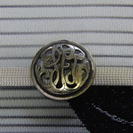 真鍮製 透かし模様丸型帯留め 着物や浴衣の帯どめ飾りに