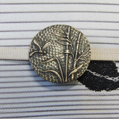 真鍮製 笹とトンボ柄帯留め 着物や浴衣に