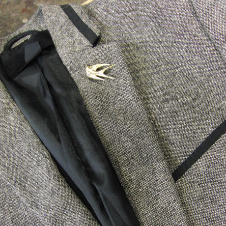 真鍮ブラス製 ツバメ鳥型ピンズブローチ ジャケットやハットの飾りとして