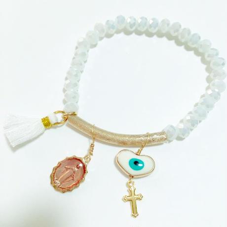 eyeチャーム+クロス×マリア メダイ+フリンジ の ホワイト ブレスレット