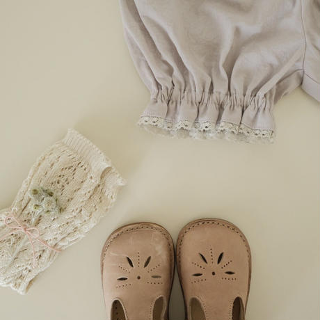 Pumpkin pants  / grayish pink with lace