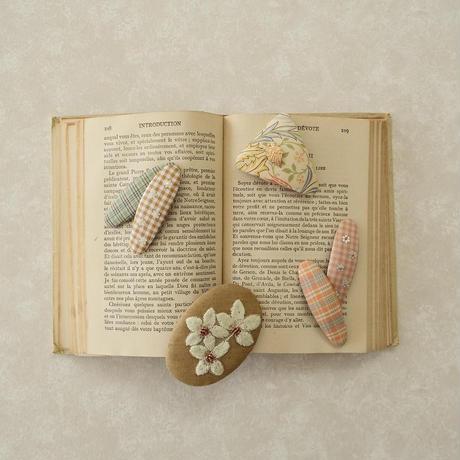 oval pin set(plain pin/vintage spangles pin) / pink&coral