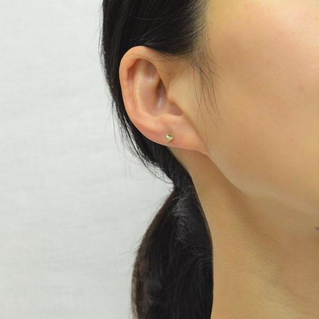 Round Aquamarine pierced earring (3mm / horizontal)