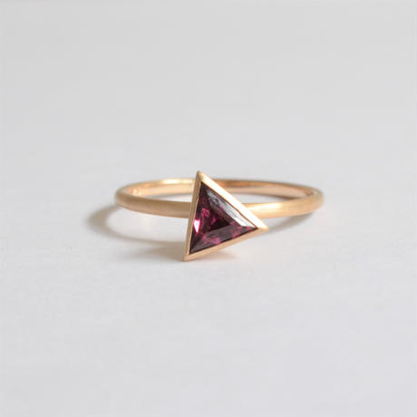 Triangle Rhodolite Garnet ring (5mm)
