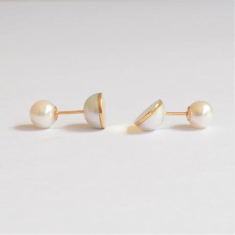【ORDER】Half pearl × K18 pierced earring (Horizontal /Akoya pearl clasp)