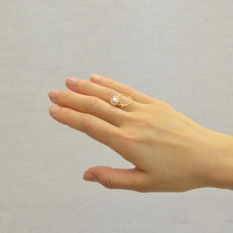 K18 ring motif ring (pearl / gold)