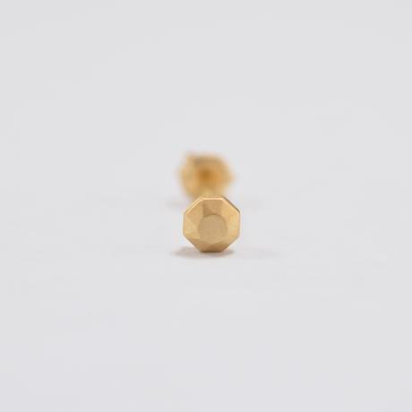 K18 round cut single pierce