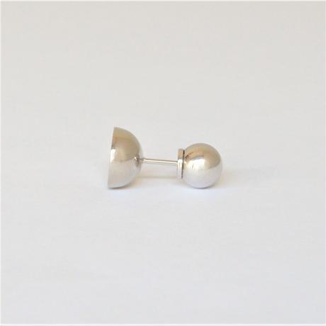 【ORDER】K18WG pierced earring (Horizontal / K18WG sphere clasp)