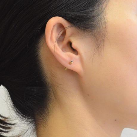 K18 rivet sapphire pierce