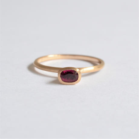Oval Ruby ring (4.5×3.3mm)
