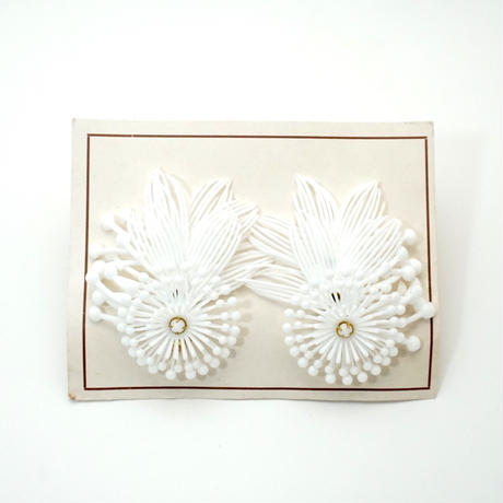 Vintage Clip-on Earrings White 《送料無料》 (no.188)